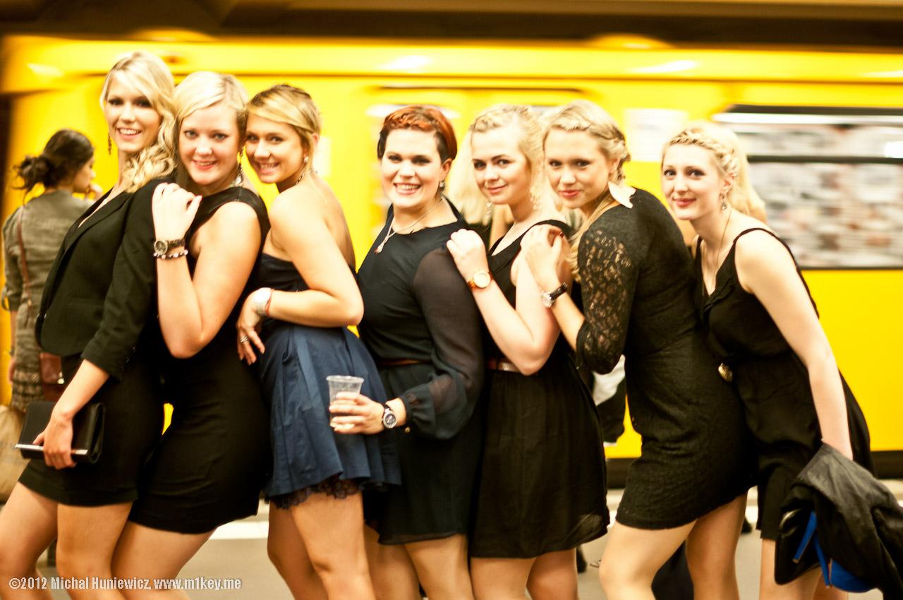 berlin single girls Meet thousands of beautiful single girls online seeking guys for dating, love, marriage in berlin.