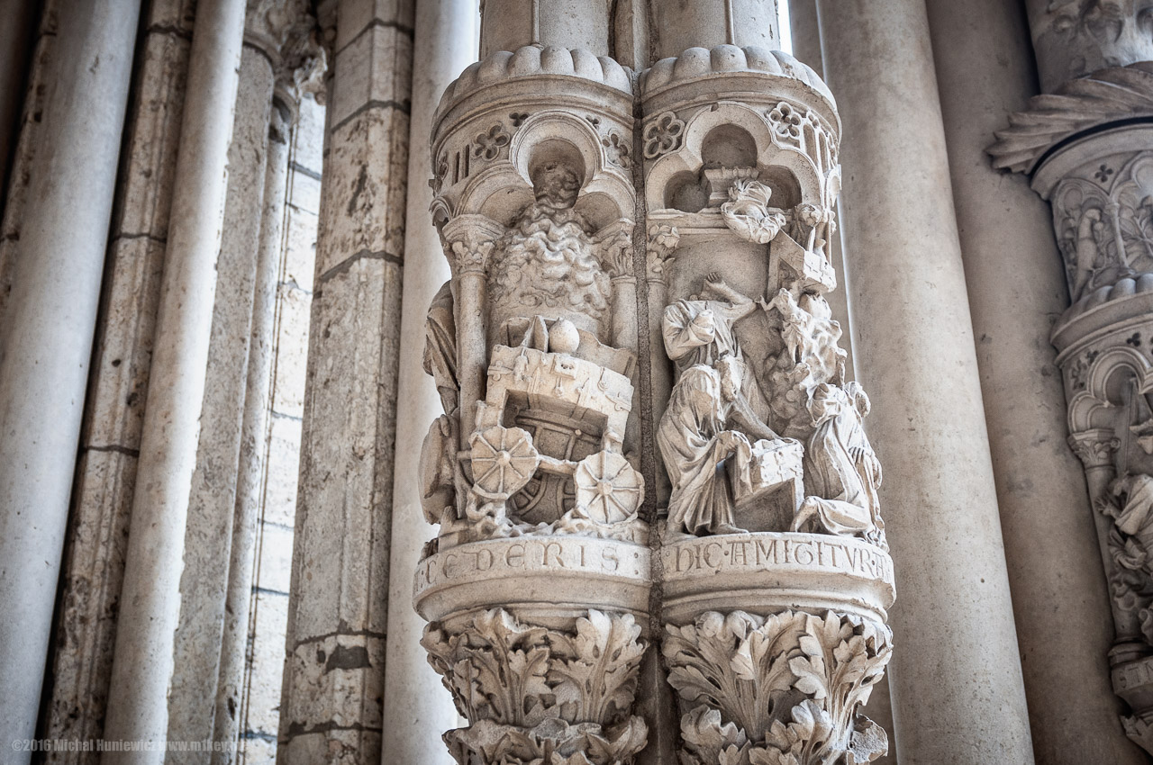 chartres_back_to_the_middle_ages_19.jpg