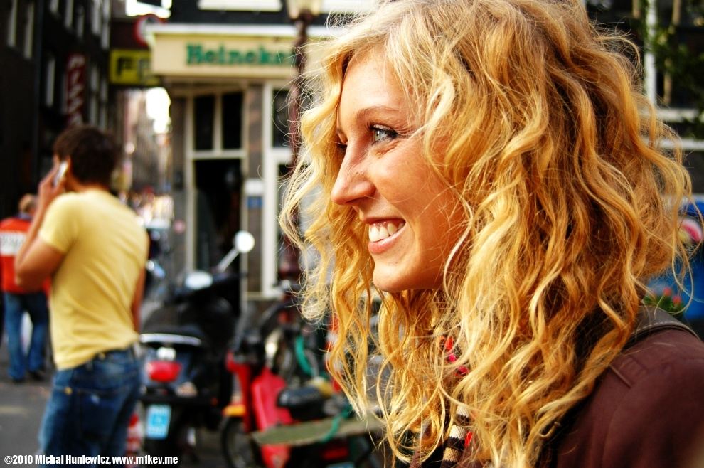 amsterdam single girls Guide to where to find free sex in amsterdam   give you a useful overview of the dating and pickup realities of amsterdam,  up women in amsterdam.